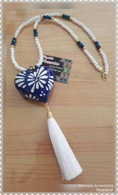 Collares Boho Jewelry, Jewelry Crafts, Jewelery, Jewelry Bracelets, Fashion Jewelry, Diy Earrings, Diy Necklace, Tassel Necklace, Polymer Clay Miniatures