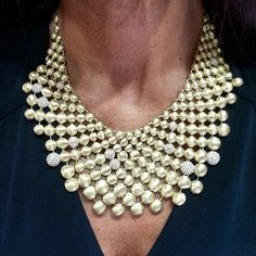Another one of #rahaminov's must see necklaces (LUX921) worn on the gorgeous