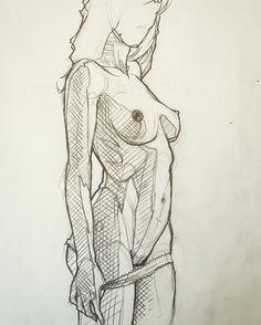 Projet tattoo à prendre -loiseautattoo@gmail.com #sketch #nude #sketchtattoo #loiseautattoo #faubourgtattooclub