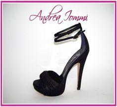 sandali tacco 12 in laminato nero con Swarovski Jet. www.andreaiommi.it #scarpe #heels #stiletto #fashion #leather #black #scarpesumisura #women #tacco12 #bridalshoes #shoes #matrimonio #wedding