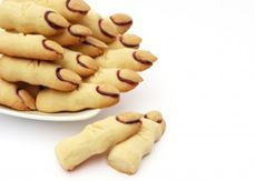 Halloween Party Treat: Witches Finger Cookies