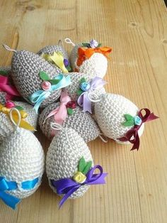 Free amigurumi models and recipes Easter Crafts, Holiday Crafts, Tutorial Amigurumi, Crochet Christmas Trees, Yarn Tail, Knitted Animals, Easter Crochet, Crochet Stitches Patterns, Sewing Toys
