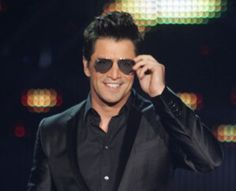 Sakis Rouvas Greek Men, Round Sunglasses, Mens Sunglasses, Movies Showing, Eye Candy, Handsome, Celebrities, Face, Singers