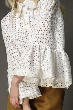 White cotton anglaise Angel sleeve blouse - product images of White Cotton Blouse, Cotton Blouses, Cotton Lace, Kurta Designs, Blouse Designs, Look Fashion, Fashion Outfits, Hippie Style Clothing, Mode Abaya
