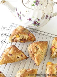 Fresh Peach Scones /