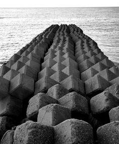concrete wabi sabi: tetrapods - japan