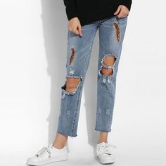 22.31$  Buy now - http://aliqu2.shopchina.info/go.php?t=32772900688 - Alishebuy Women Fashion Slim Feather Embroidery Casual Holes Skinny Pencil Jeans  #magazine