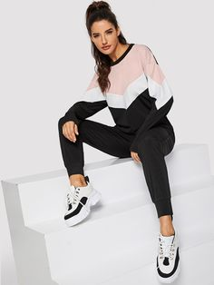 Shop Chevron Pullover and Drawstring Waist Sweatpants Set online. SHEIN offers Chevron Pullover and Drawstring Waist Sweatpants Set & more to fit your fashionable needs. Sport Fashion, Fashion News, Womens Fashion, Sporty Outfits, Fashion Outfits, Winter Blouses, Sweater Set, Pullover, Winter Dresses