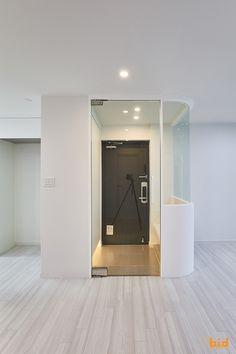 Portfolio_신대방동 현대아파트_인테리어_33py : 네이버 블로그 Dorm, Entrance, Entryway, Mirror, Interior Design, House, Inspiration, Furniture, Home Decor