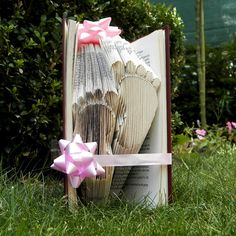 Baby Footsteps - Folded Book Art - Baby feet - Book Sculpture - Babyshower gift - Birth - It's a boy - It's a girl - Birth announcement