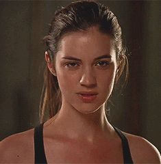 Cora Hale Daryl Dixon Fanfiction, Adelaide Kane Gif, Cora Hale, Peter Hale, Malia Tate, Badass Aesthetic, Teen Tv, Cant Help Falling In Love, Gif Collection