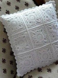 I love the white crochet...wonder what it would look like with a contrasting solid color liner?