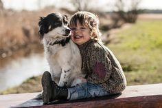 Αυτός ο μικρός και η «συμμορία» των ζώων του θα σας κλέψουν την καρδιά