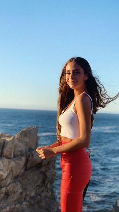 Camila Gallardo, Beautiful Ladies, Shoulder Dress, Queen, Celebrities, Lady, Hair Styles, Dresses, Fashion