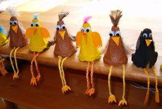 * Kippen van eierdozen!