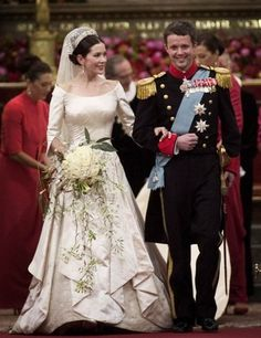 MARY DONALDSON married Frederick, the Crown Prince of Denmark in 2004 and wears a massive 8 carat emerald cut diamond engagement ring with ruby side stones. Her Uffe Frank designed wedding dress is one of our absolute favorites. Royal Wedding Gowns, Royal Weddings, Wedding Dresses, Wedding Veils, Wedding Band, Wedding Stuff, Wedding Flowers, Royal Engagement Rings, Emerald Cut Diamond Engagement Ring