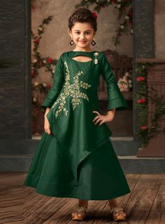 Emerald Green Asymmetrical Layered Satin Silk Victorian Gown for Little Girls Baby Girl Dress Patterns, Baby Dress Design, Frock Design, Kids Dress Wear, Party Wear Dresses, Gowns For Girls, Dresses Kids Girl, Kids Frocks Design, Kids Gown Design