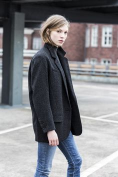 39 Ideas for style tomboy chic grey coats Looks Street Style, Looks Style, A Well Traveled Woman, Trendy Mens Haircuts, Fashion Gone Rouge, Style Casual, Mode Inspiration, Mode Style, Look Fashion