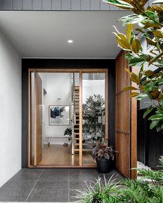 ideas for exterior wall cladding entrance Front Door Entrance, Exterior Front Doors, House Entrance, Wall Exterior, Timber Front Door, Garage Exterior, Exterior Stairs, Entrance Ideas, Exterior Cladding