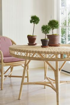 The Rattan Lily Dining Chair Wicker Table, Dining Chairs, Dining Table, Oriental Furniture, Chair Backs, Outdoor Furniture Sets, Outdoor Decor, Rattan, Lily