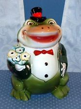 Froggy Goes A Courtin' Cookie Jar Starnes Good Condition Christmas Tree Themes, Christmas Ornaments, Antique Cookie Jars, Cute Frogs, Vintage Cookies, Frog And Toad, Biscuit Cookies, Cute Cookies, Cookie Decorating