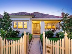 Photo of a stone house exterior from real Australian home - House Facade photo 621570