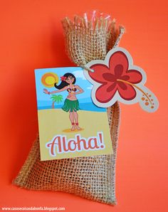 awesome for favors Moana Themed Party, Moana Birthday Party, Hawaiian Birthday, Moana Party, Luau Birthday, 4th Birthday Parties, Aloha Party, Luau Party, Festa Moana Baby
