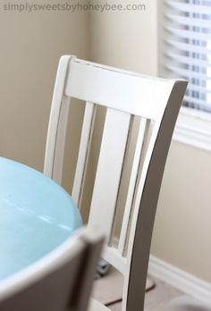 Transforming a Table & Chairs with Annie Sloan Chalk Paint   simplysweetsbyhoneybee.com