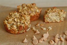 Peanut butter banana oatmeal muffins | www.yankeekitchenninja.com
