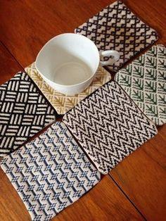 こぎん刺しなコースターの裏は、ツヴィストでワンポイント刺繍しました。   仮仕上げまで出来上がってます。    >よろしければポチッとお... Diy Embroidery Stitches, Hand Embroidery Patterns, Weaving Patterns, Knitting Patterns, Blackwork, Contemporary Embroidery, Japanese Embroidery, Bargello, Cross Stitch Flowers