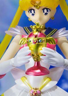 Sailor Moon S.H. Figuarts Actionfigur Super Sailor Moon 14 cm  Sailor Moon - Hadesflamme - Merchandise - Onlineshop für alles was das (Fan) Herz begehrt!