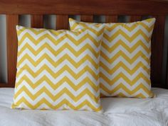 Love the pattern Yellow Cushion Covers, Yellow Cushions, Yellow Pattern, Home And Living, Living Room, Zig Zag, Felt, Throw Pillows, Pink
