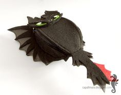 Hip bag Toothless - funny, cute black dragon - felt - wings - for fan - how to train your dragon - MADE TO ORDER How To Train Your, How Train Your Dragon, Toothless Funny, Steampunk Belt, Dragon Movies, Diy Belts, Fabric Handbags, Gifts For My Wife, Black Dragon