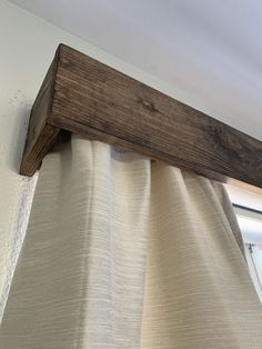 Comin' at ya today with these easy DIY wood window valances that completely transformed our upstairs windows! When we first moved in, we had roller shades insta… Wood Valances For Windows, Window Cornices, Wooden Windows, Window Coverings, Rustic Window Treatments, Window Cornice Diy, Rustic Windows, Diy Windows, Valance Window Treatments