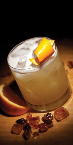 Classic Cocktail Recipe: Traditional Whiskey Sour - with egg white, lemon juice and simple syrup. Had one just like this at Jack and June's a night or two before. Holiday Drinks, Fun Drinks, Yummy Drinks, Alcoholic Drinks, Beverages, Hard Drinks, Drinks Alcohol, Christmas Drinks, Fun Cocktails