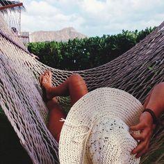 lounge around // #xoxo #planetblue