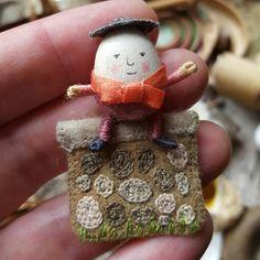 Posts about Closeups written by Salley Mavor Wool Felt Fabric, Fabric Art, Fabric Toys, Cute Crafts, Felt Crafts, Creative Arts And Crafts, Textiles, Diy Christmas Ornaments, Felt Ornaments