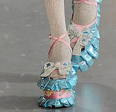 Meadham Kirchhoff must've had me in mind when these were designed . Quirky Fashion, Diy Fashion, Fashion Shoes, Fashion Outfits, Womens Fashion, Fashion Design, Funky Shoes, Crazy Shoes, Psychedelic Fashion