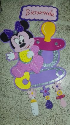 Muñeco elaborado en fomy Minnie Mouse, Disney Characters, Fictional Characters, Shower, Art, Manualidades, Rain Shower Heads, Art Background, Kunst