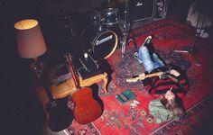 kurt cobain :x Kurt Cobain Photos, Nirvana Kurt Cobain, Frances Bean Cobain, Parkour, Kurt And Courtney, Donald Cobain, Smells Like Teen Spirit, Dave Matthews Band, Music Aesthetic