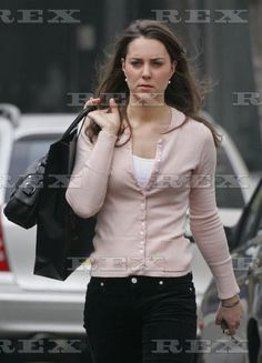 4.24.2006: Kate Middleton doing last minute shopping before setting off for her holiday with Prince William in Mustique