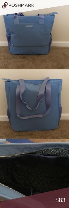 MUST GO! Vera Bradley Tote New with tags. Vera Bradley Preppy Polly NoSo Tote in Sky Blue. Outside: 2 water bottle holders, extra pocket with a zipper, an open medium size semi hidden. Inside: 2 large open pockets, one medium pocket with a zipper, extra large space perfect for laptop/tablet. This tote is perfect for fall ! 🍁🍂 Vera Bradley Bags Totes