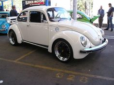 Image may have been reduced in size. Click image to view fullscreen. Vw Super Beetle, Beetle Car, Custom Vw Bug, Custom Cars, Combi T1, Auto Volkswagen, Vw Classic, Vw Vintage, Vw Cars