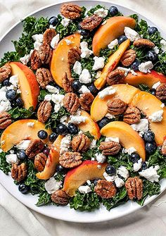 Summer Kale Salad with Peaches and Candied Pecans This refreshing berry peachy kale salad is packed with summer superfoods and topped with creamy goat cheese and crunchy candied pecans. - summer kale salad with peaches and candied pecans Clean Eating Dinner, Clean Eating Snacks, Clean Eating Recipes, Healthy Snacks, Healthy Eating, Cooking Recipes, Eating Habits, Cooking Tips, Clean Diet