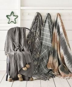Does anything scream hygge like this? A throw is an easy, yet gorgeous home interior addition, whether it's layered over your sofa to make your living area that bit cosier, or on the end of your bed to add to those cosy bedroom vibes!