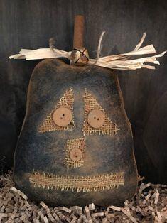 Primitive Fall Crafts, Primitive Halloween Decor, Primitive Pumpkin, Primitive Patterns, Primitive Decor, Primitive Bedroom, Primitive Snowmen, Primitive Kitchen, Primitive Autumn