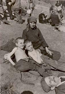 1945, Jewish survivors.