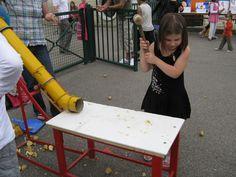 Ecole DANTAN Orival - Kermesse - Stand de l'écrase patate