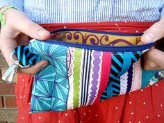 Ribbon wristlet clutch tutorial | #freepattern #clutch | patchwork posse