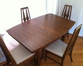 Broyhill's Brasilia Atomic Mid Century Modern Dinning Table and Chairs